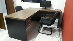 Mesa de Escritório / 2 Cadeira de escritório / Balcão