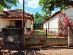 Vendo (2) duas casas antigas em Sertaozinho
