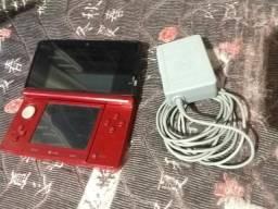 3DS vermelho desbloqueado + capinha + Carregador original comprar usado  Valparaíso de Goiás