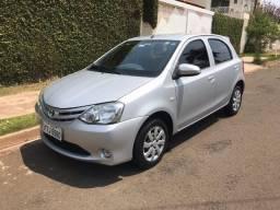 Toyota Etios 2014 - Impecável | Única Dona