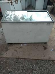 Vende-se um freezer 350 lts