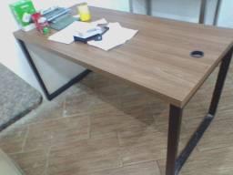 Móvel e mesa de Escritório