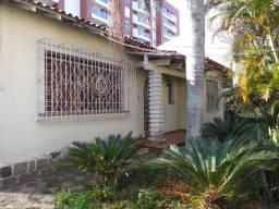 Casa para fins comerciais,407m² área total, localização próximo a Praça 29 de Março