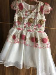 Vestido Petit Cherie tamanho 2 usado 2 vezes