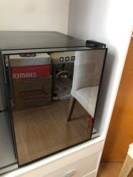 ADEGA ELÉTRICA / climatizarora de vinhos (sem placa, precisa conserto)