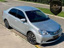 Toyota Etios 2014/2014 Sedan Platinum Cor Prata