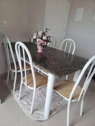 Mesa de mármore para 6 cadeiras