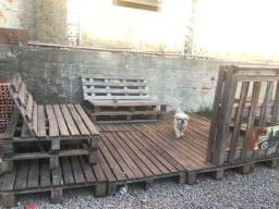 Deck madeira e bancos