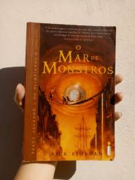 O Mar de Monstros Livro