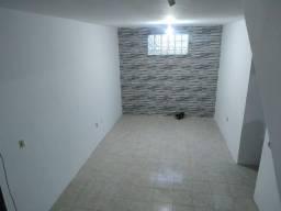Vendo casa em Itapuã, 3/4 com suíte, triplex, $ 200.000,00!!!
