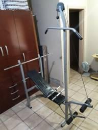 Aparelho Estação Musculação Academia com barras e anilhas