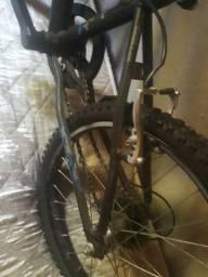 Vendo bicicleta de menino ,em ótimo estado