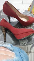 Sapatos usados uma única vez