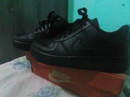 Tênis preto Nike Air force novo unissex
