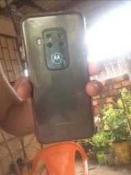 Motorola one zoom top