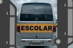 Micro ônibus escolar não é a vista