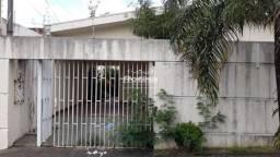 Casa para aluguel, 3 quartos, 1 suíte, 2 vagas, Santa Mônica - Uberlândia/MG