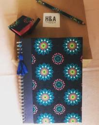Título do anúncio: Kit papelaria: caderno + lápis + porta post-it