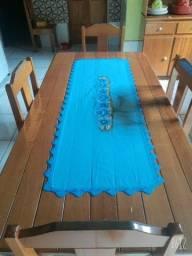vende-se essa mesa com 4 cadeira 300 reais
