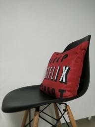 Cadeira modelo eiffel