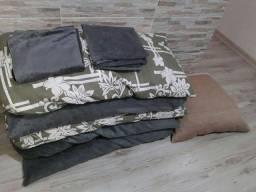 5 almofadas grandes com capa