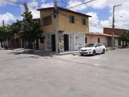 Duplex com ponto comercial