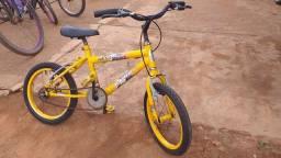 Bicicleta infantil por 200,00