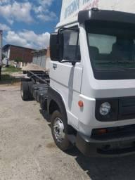 Vende se vw caminhão 8.160 ano 2012