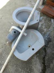 Pia, vaso sanitário e descarga