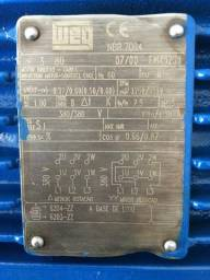 Motor elétrico WEG 0,75 CV 4 polos 1750 rpm Trifásico