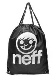Mochila masculina da Neff, em tecido preto, nova