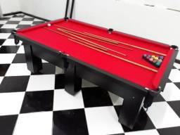 Mesa de Seis pés Laterais com Tecido Vermelho Cor Preta Mod MNK6325