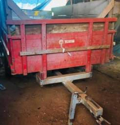 Carreta agrícola 04 toneladas em bom estado