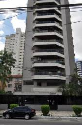 Vende-se Apartamento com 4 suites, 2 vagas, Andar alto, 260m²