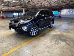 Hilux SW4 SRX 4x4 2.8 TDI Diesel 7 lug Aut. Ano 2017