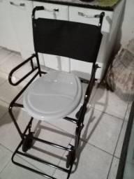 Cadeira de roda de banho