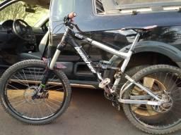 Bike Enduro Downhill Banshee Rune