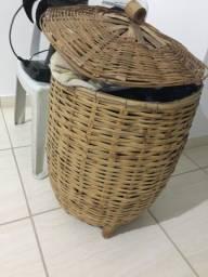 Vendo balaio para guardar roupas sujas ou por no banheiro em Uberlândia mg