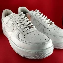 Tênis Nike Air Force 1 Couro Branco