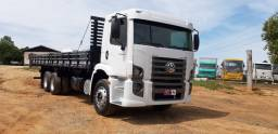 Volkswagen VW 24250 Constellation truck 6x2 carroceria