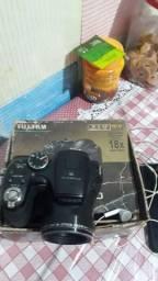 câmera e filmadora fujifilm vondo ou troco por tv