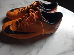 Tênis Nike mercurial