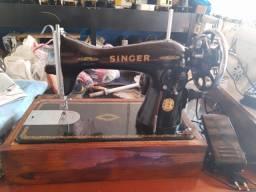 Máquina de costura reta Singer original super conservada