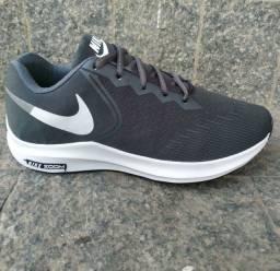 Tênis Nike modelo zoom