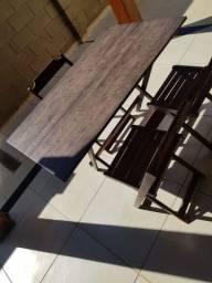 Mesa de madeira dobrável com 3 cadeira