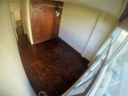 Suíte em Bento Ferreira - República - Dividir Apartamento