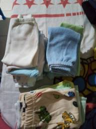 Roupinhas e sapatinhos de menino