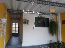 Excelente casa no Jardim Valparaiba com Estrutura para Sobrado