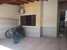 Vende-se casa com excelente acabamento no bairro Poiares em Caraguatatuba SP!