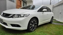 Civic LXR 2.0, top de linha com GNV última geração